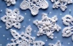 Вязаная крючком снежинка