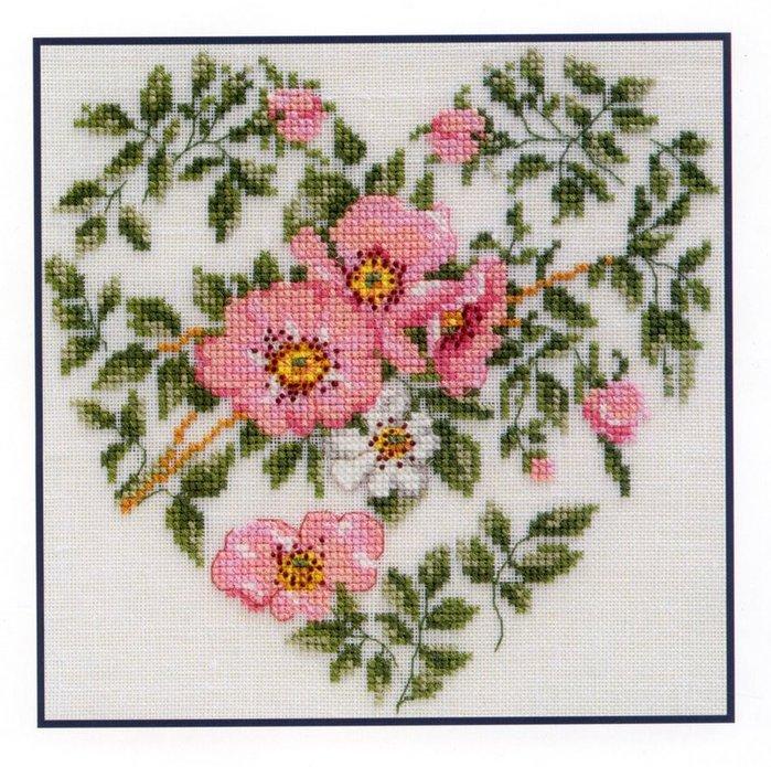 Вышивка цветочное сердце