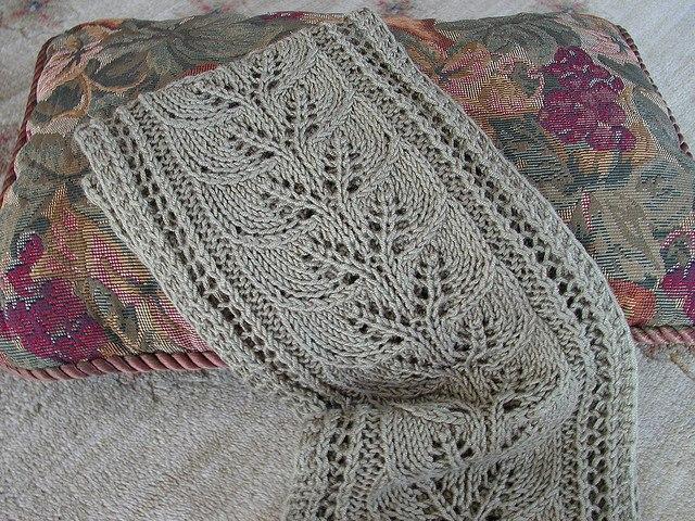 Схема шарф с листьями